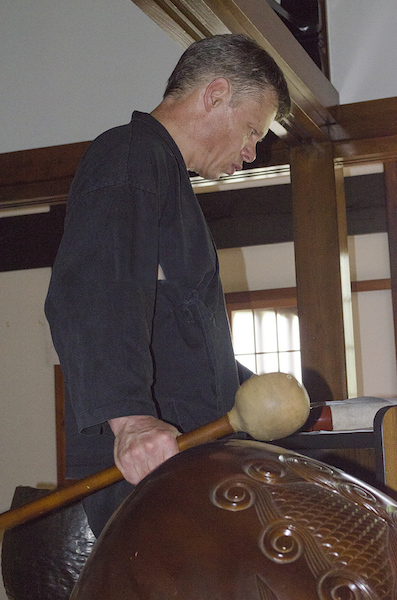 Chris Owen, chanting in Gyokuruji